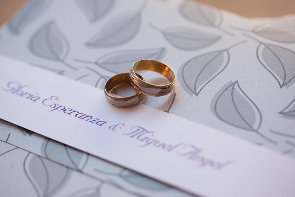 ピンクの結婚指輪