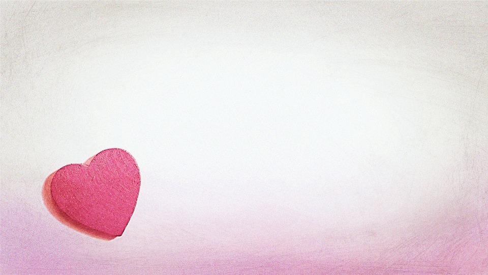 和紙でできたハートの手紙