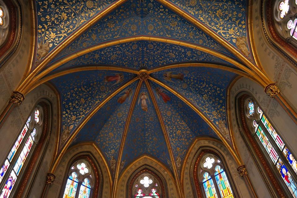 天井画のあるチャペル