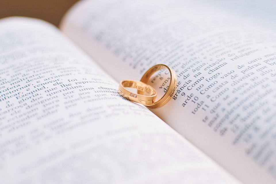 聖書と指輪
